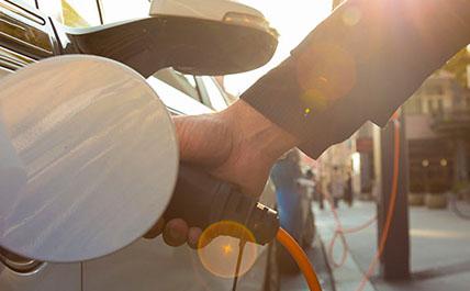 Bornes de recharge - Les Entreprises d'Électricité R.B.M Inc. sur la Rive-Sud